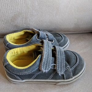 Toddler shoes, size 8